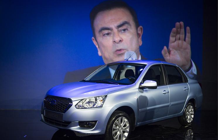 Глава Renault-Nissan Карлос Гон во время презентации  автомобиля Datsun (суббренд компании Nissan) производства АвтоВАЗа