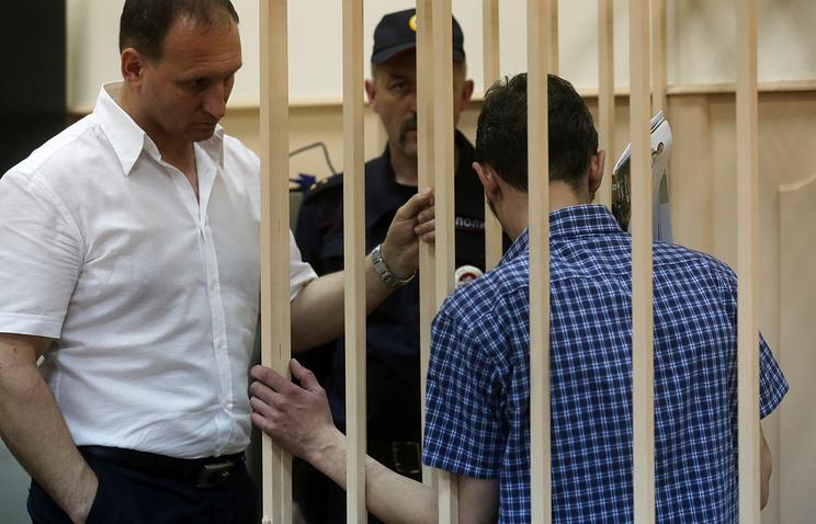 Юрий Гордов (справа)