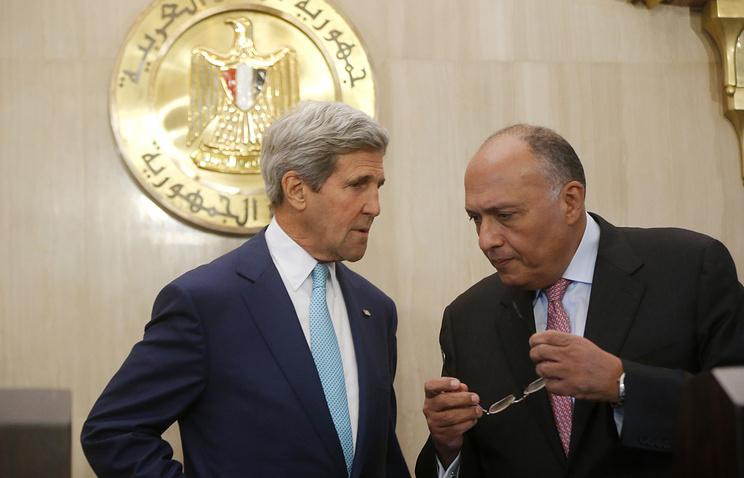 Госсекретарь США Джон Керри и министр иностранных дел Египта Самех Шукри перед пресс-конференцией
