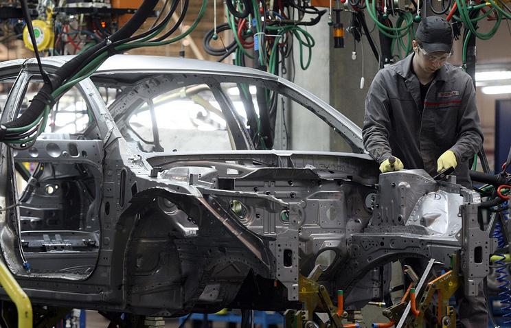 Производство автомобилей на заводе Nissan в Санкт-Петербурге