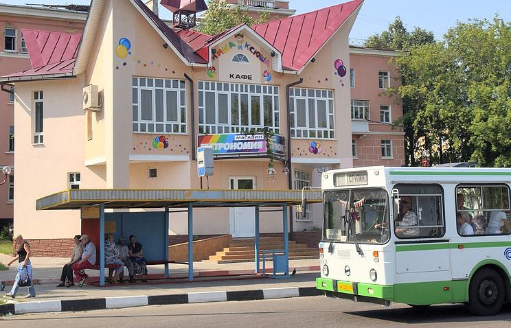 Рейсовый автобус на улицах города Ступино, Московская область.