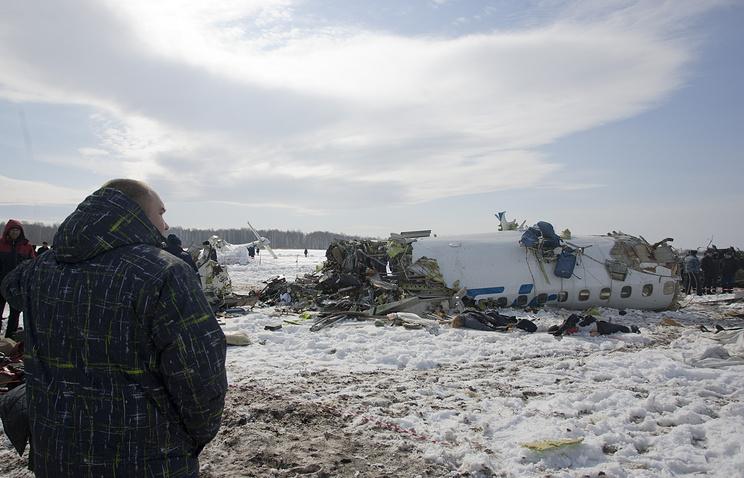 На месте крушения самолета ATR-72. Апрель 2012 года