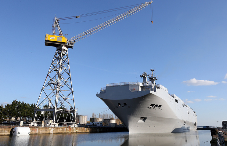 """На верфях французского города Сен-Назер завершается строительство десантного вертолетоносного корабля-дока (ДВКД) """"Владивосток"""""""