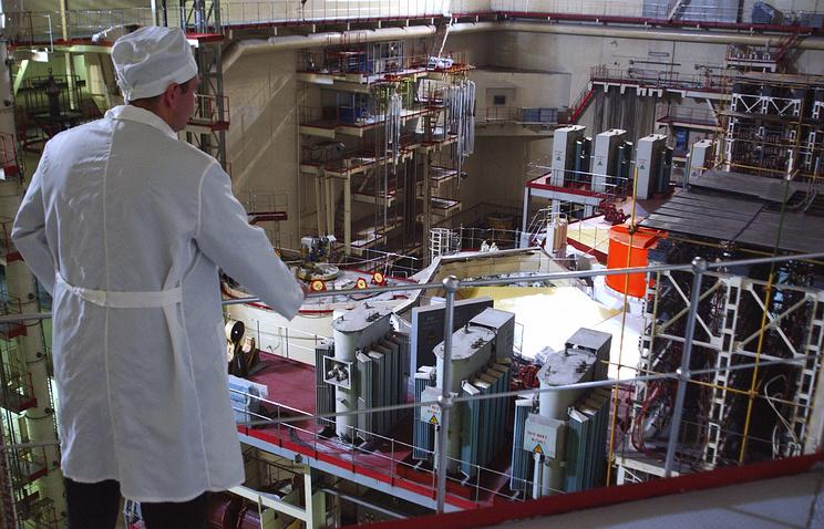 В зале третьего блока атомного реактора Белоярской атомной электростанции (БАЭС)