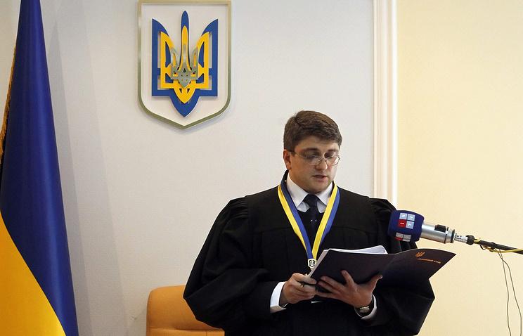 Судья Родион Киреев во время вынесения приговора экс-премьеру Украины Юлии Тимошенко, 2011 год