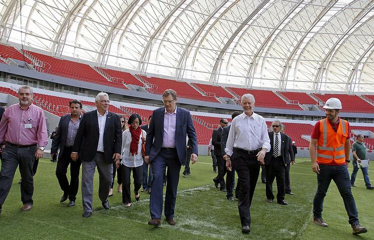 Инспекция ФИФА на стадионе в бразильском Порту-Алегри, который принимал матчи чемпионата мира-2014