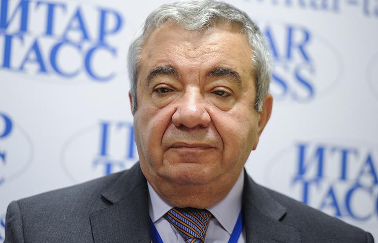 Виктор Радзинский, член Всемирной и Европейской Ассоциаций акушеров-гинекологов, член Президиума научного общества акушеров-гинекологов РФ