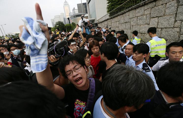 Массовые протесты продолжаются в Гонконге