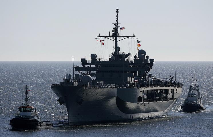 Флагманский корабль Шестого флота ВМС США Mount Whitney