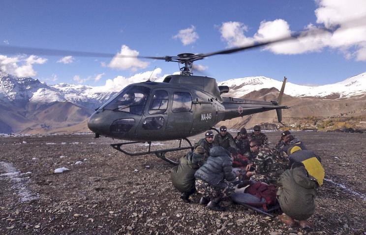 Спасательные работы на месте происшествия в Непале