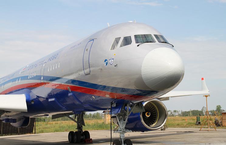 Самолет Ту-214 ОН