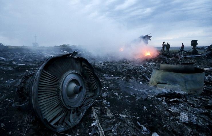 На месте падения самолета под Донецком