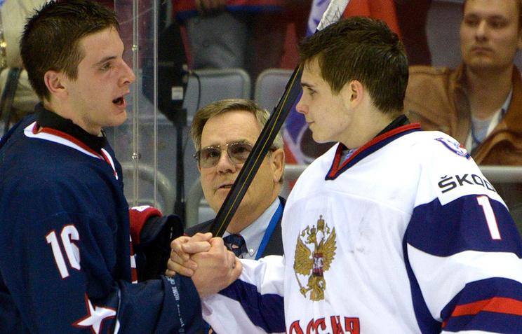 Игорь Шестеркин (справа)