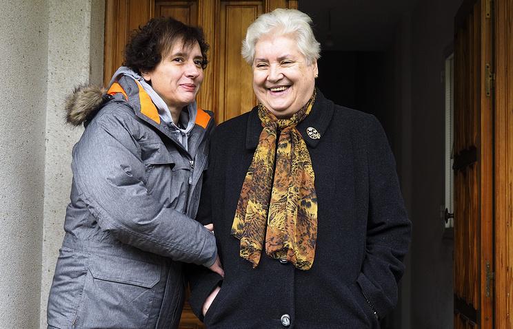 Тереза Ромеро (слева) со своей матерью