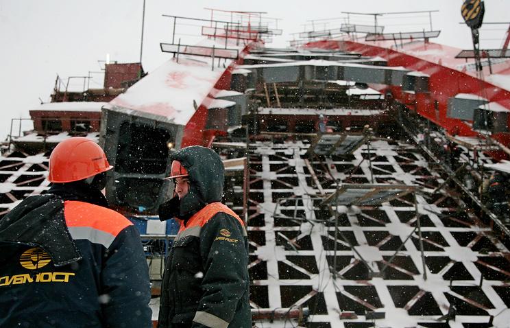 Строительство Бугринского моста через Обь в Новосибирске. Архив