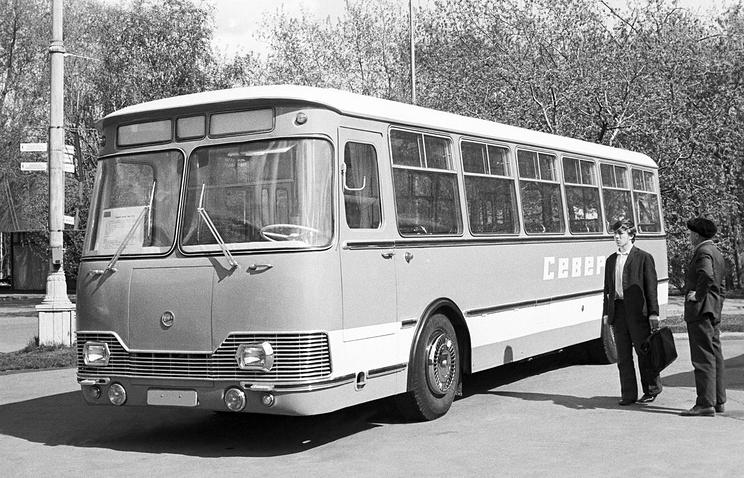 Автобус ЛиАЗ-677 производства Ликинского автобусного завода, 1974 год