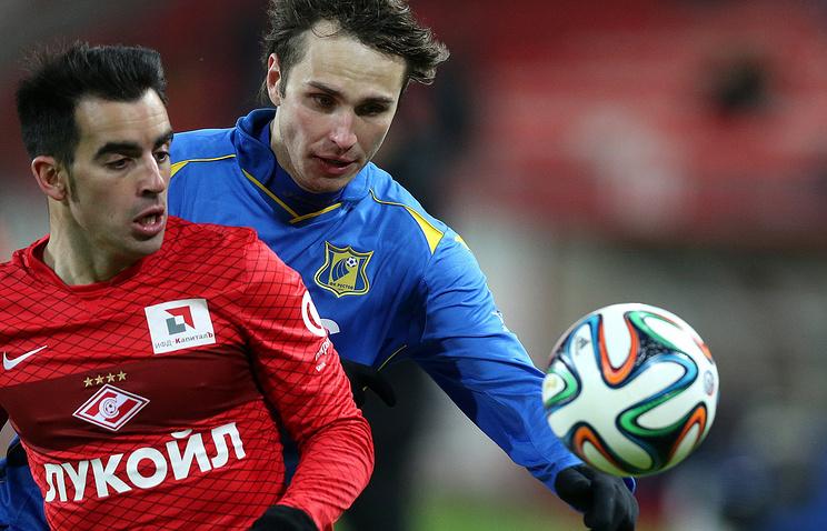 Виталий Дьяков (справа)