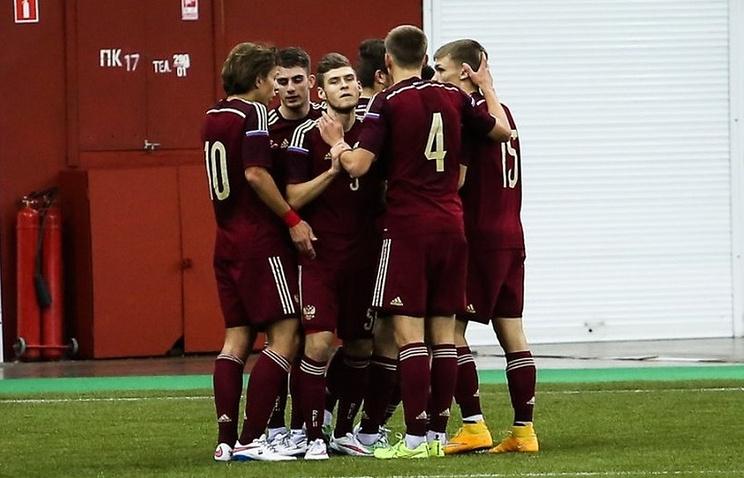 Футболисты юношеской сборной России