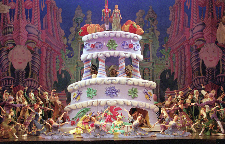 """Премьера балета """"Щелкунчик"""" в постановке Михаила Шемякина, 2001 год"""