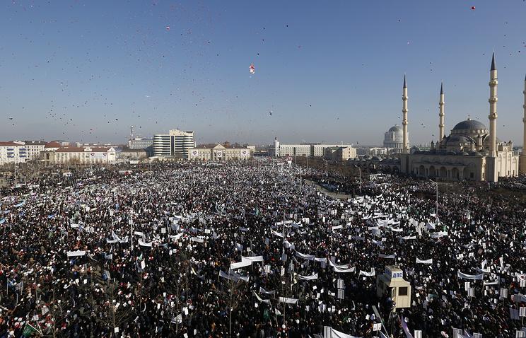 """Участники акции """"Любовь к пророку Мухаммеду"""" в Грозном, 19 января 2015 год"""