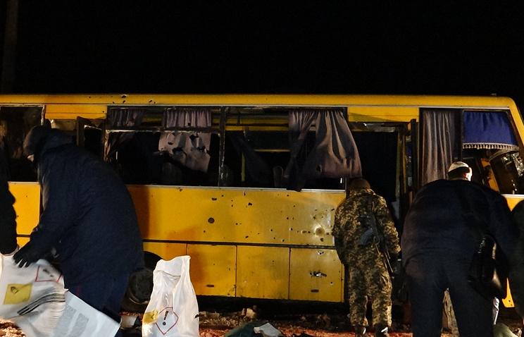 На месте обстрела рейсового автобуса около города Волноваха