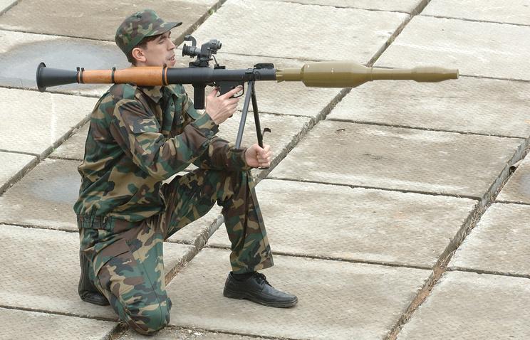 """Ручной противотанковый гранатомет РПГ-7 с выстрелом ПГ-7ВР (7П28 """"Резюме"""")"""