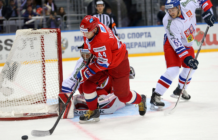 Капитан сборной России Егор Яковлев во время матча против команды Чехии