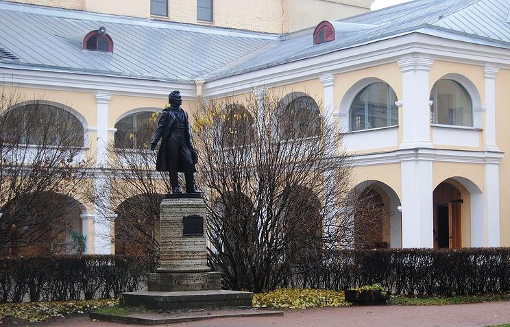 Внутренний двор музея-квартиры А.С.Пушкина в Санкт-Петербурге