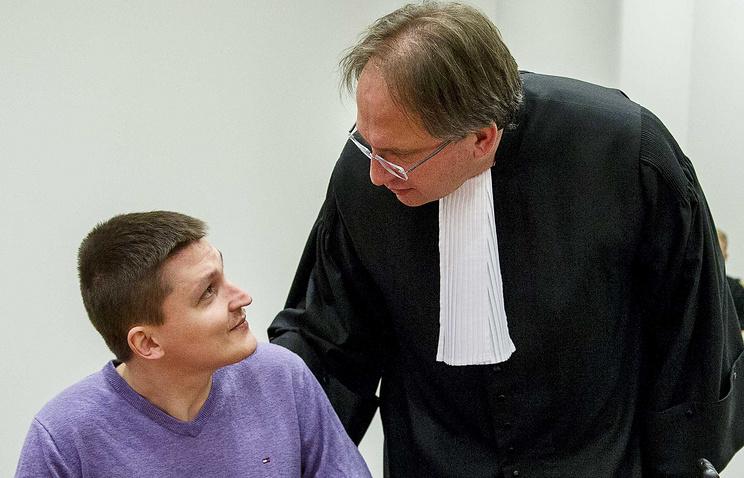 Владимир Дринкман (слева) в суде, январь 2015 г.