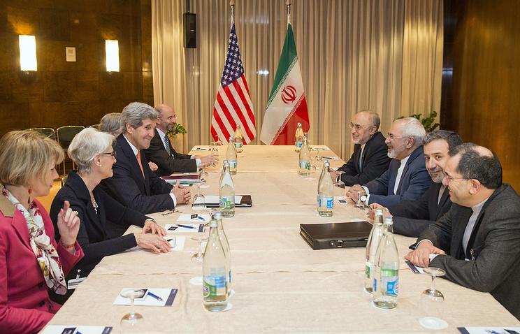 Переговоры глав внешнеполитических ведомств США и Ирана Джона Керри и Мохаммада Джавада Зарифа в Монтре