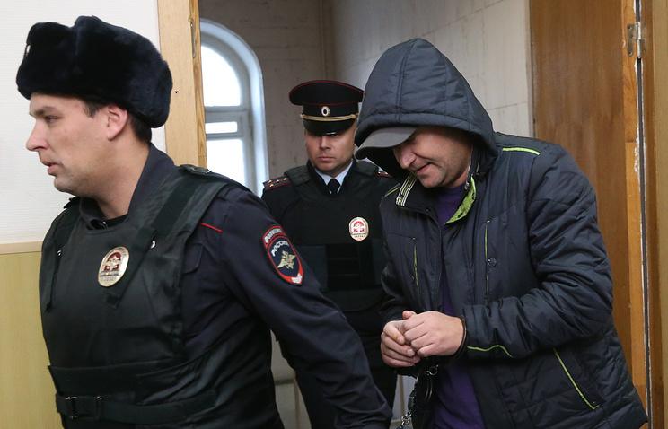 Руководитель полетов аэропорта Внуково Роман Дунаев в Басманном суде