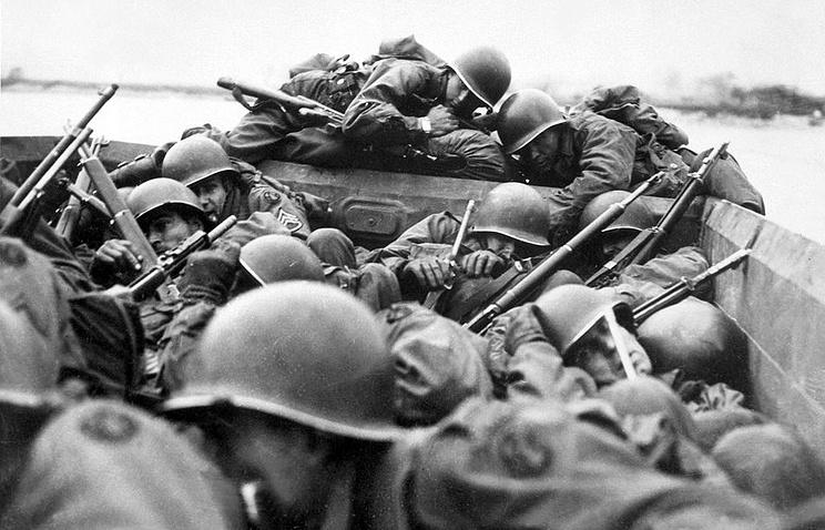 Американские солдаты форсируют Рейн