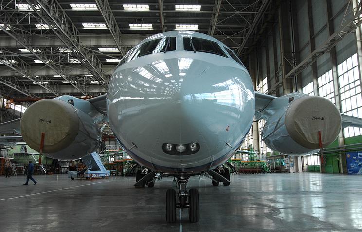 Самолет Ан-148 на воронежском авиазаводе