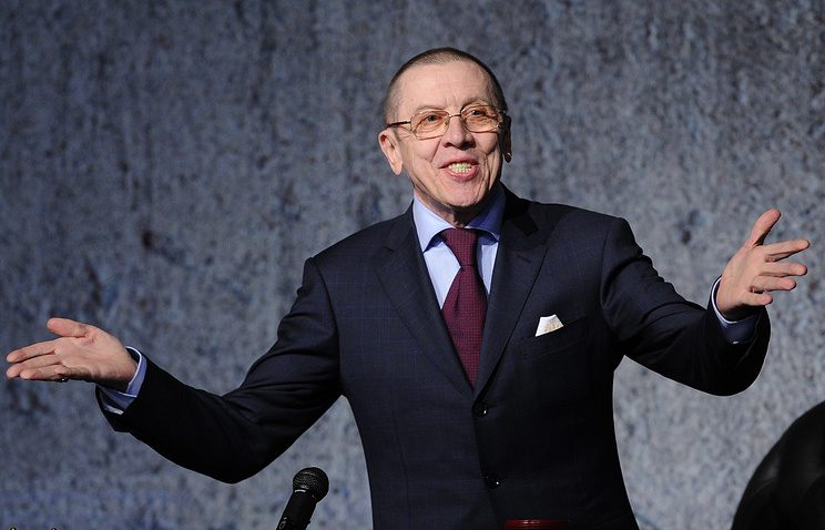 """Актер Валерий Золотухин (король Беранже первый) в спектакле """"Король умирает"""" в Театре на Таганке. 2012 год"""