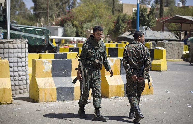 Военные в Сане