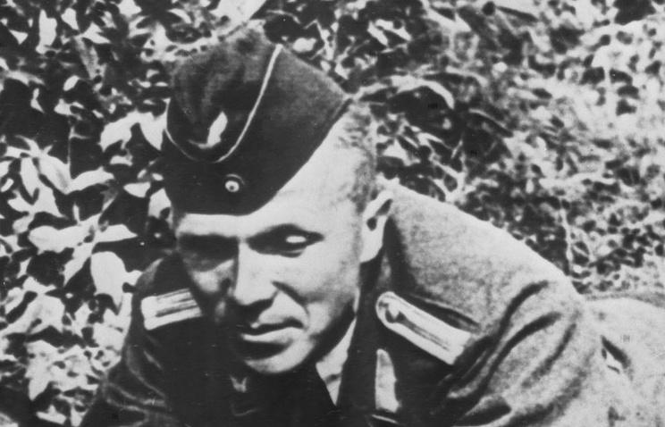 Советский разведчик Николай Кузнецов в форме немецкого офицера, 1942 год