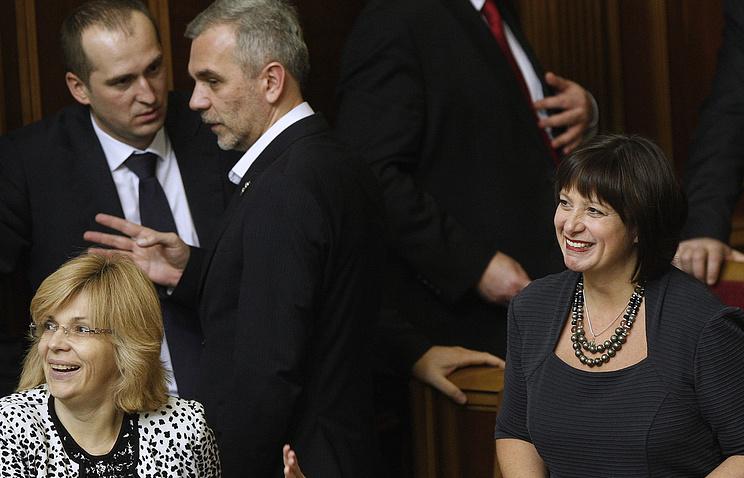 Министр финансов Украины Наталья Яресько (справа)