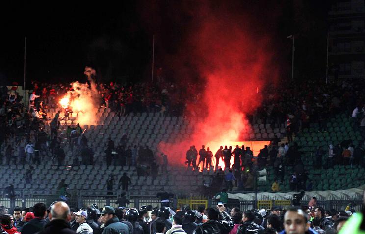 """Давка на стадионе в Порт-Саиде во время мачта между клубами """"Аль-Масри"""" и """"Аль-Ахли"""", 1 февраля 2012 года"""