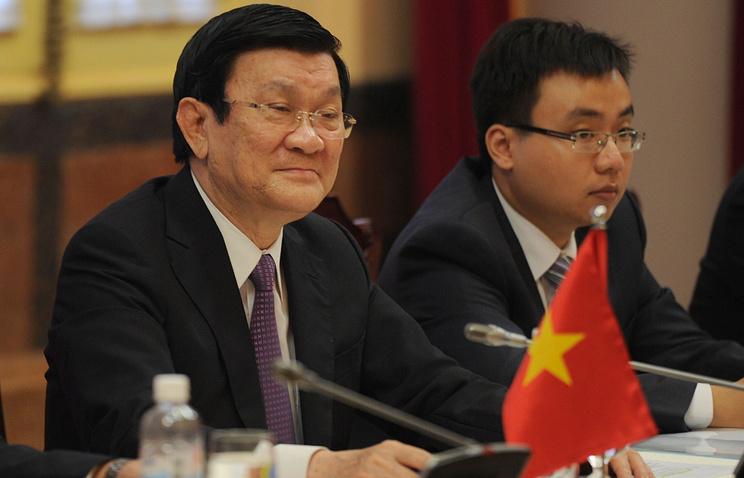 Президент Вьетнама Чыонг Тан Шанг (слева)