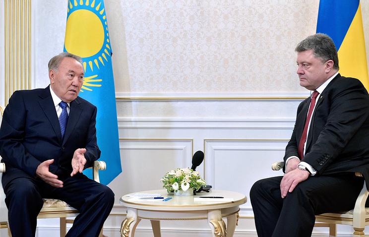 Президент Казахстана Нурсултан Назарбаев и президент Украины Петр Порошенко