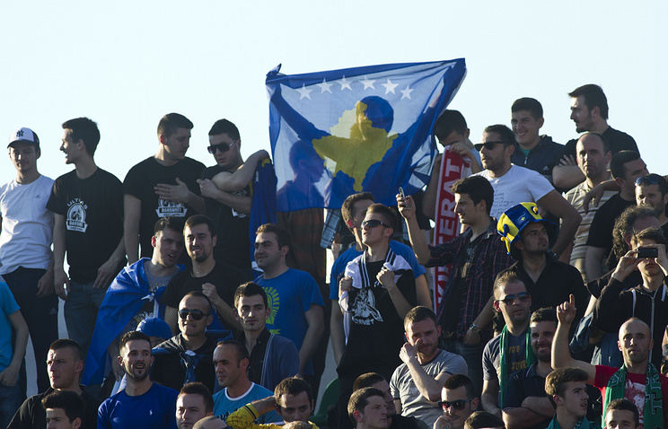 Болельщики национальной сборной Косово по футболу