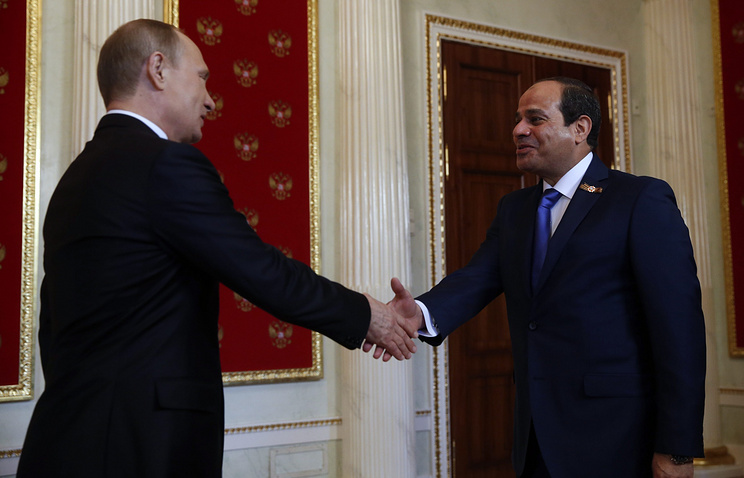 Президент РФ Владимир Путин и президент Египта Абдель Фаттах ас-Сиси