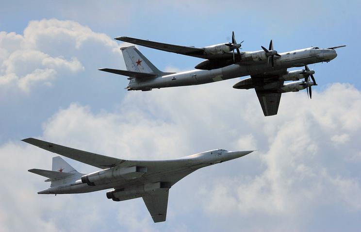 Стратегические бомбардировщики ТУ-160 и ТУ-95