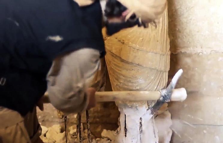 """Боевики группировки """"Исламское государство"""" разрушают культурные памятники, Ирак, апрель 2015 года"""