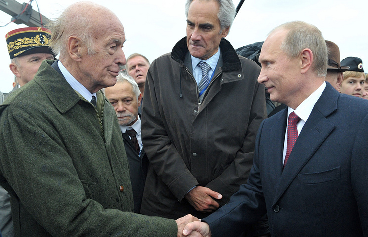 Бывший президент Франции Валери Жискар д'Эстен и президент РФ Владимир Путин, 2 сентября 2012 года