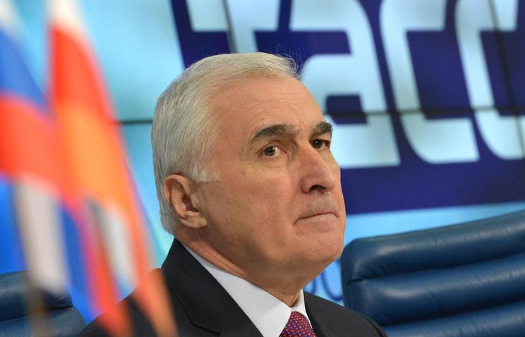 Президент Республики Южная Осетия Леонид Тибилов во время пресс-конференции в ТАСС.