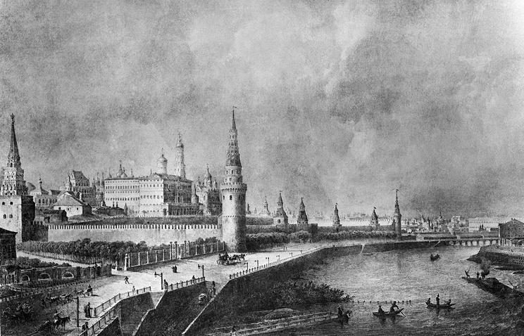 Вид на Кремль от каменного моста