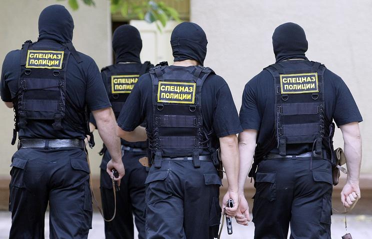 Тренировка отряда спецназа наркополиции