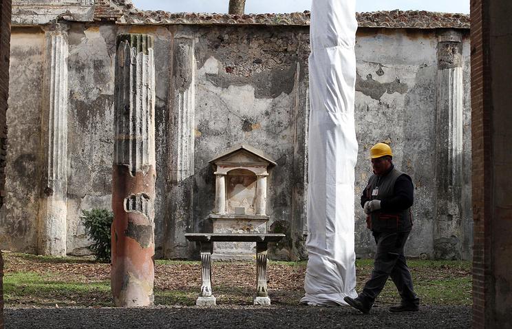 Реставрационные работы в  Помпеях