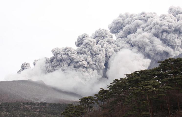 Вулканическая активность на острове Кюсю, Кирисима